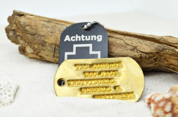 DOG TAG HOLZ, graviert